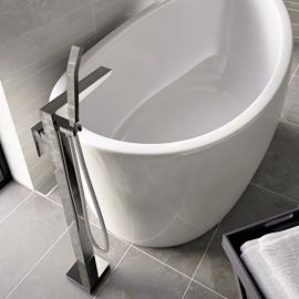 Free standing bath tap